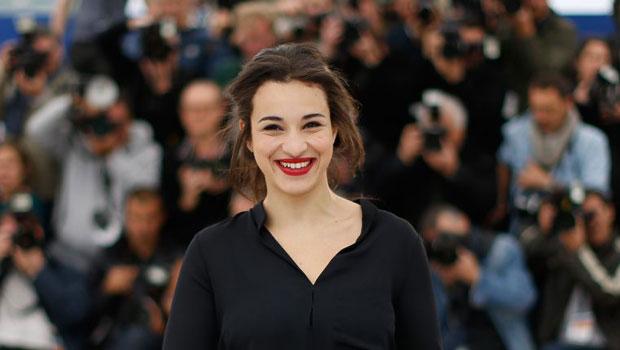 La chanteuse franco-algérienne Camelia Jordana provoque la polémique — France