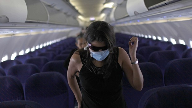 Masque de protection - avion - coronavirus